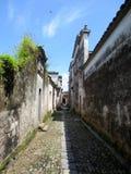 Stegen en woonmuren van oude huizhoudorpen royalty-vrije stock foto