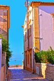 Stegen op het overzees bij donnalucata Ragusa stock afbeelding