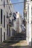 Stegen van vergoelijkte huizen typisch van het dorp van Jerez DE los stock fotografie