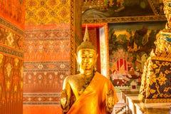Stehender Buddha stockfoto