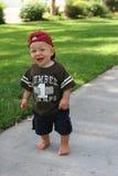 Stehendes Kleinkind auf Pfad Lizenzfreie Stockbilder