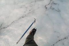 Steigeisen-und Eis-Axt Stockfotos