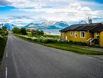 Steigen,一点村庄在北部挪威 库存图片