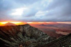 Steigen in Berge Lizenzfreies Stockfoto