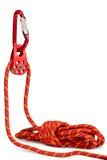 Steigende Ausrüstung - Seilrolle, Seil, carabiner stockfoto