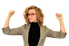 Steigende Hände der jungen Geschäftsfrau Stockfotos