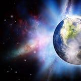 Steigende Sonne unter dem Erdeplaneten stock abbildung