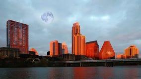 Steigender Mond über Austin, Texas stockfotografie