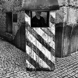 Steigendes Museum Warschaus Künstlerischer Blick in Schwarzweiss Stockfotos