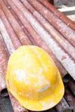 Steiger en helm royalty-vrije stock afbeelding
