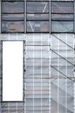 Steiger met plastic geteerd zeildoek Royalty-vrije Stock Afbeeldingen