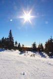 Steigung auf der Skifahrenrücksortierung Lizenzfreie Stockfotos