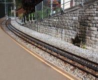 Steil spoorwegspoor stock afbeeldingen