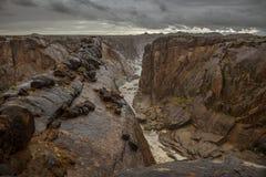 Steile canion in stormachtige voorwaarden Royalty-vrije Stock Foto