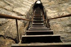 Steile trap van gevangenisklooster Khor Virap stock foto