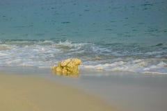 Stein auf dem Sand Stockfotos
