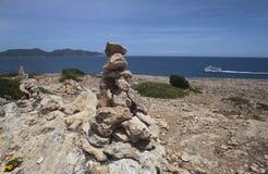 Stein bringt in die Südküste der Insel von Majorca an Stockbild