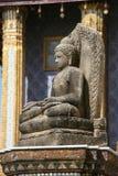 Stein-Buddha-Skulptur am großartigen Palast Lizenzfreie Stockfotos