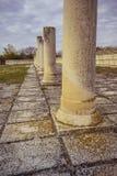 Stein Columnas an der alten großen Basilika in Pliska Das größte in mittelalterlichem Südost-Europa lizenzfreie stockfotografie