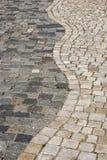 Stein gepflasterte Parkgasse Lizenzfreies Stockfoto
