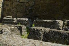Stein mit einem Thread Stockbilder