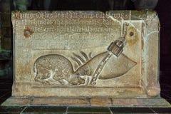Stein-relievo auf der gut herein Lund-Kathedrale Lizenzfreie Stockfotos
