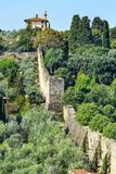 Stein-Stadtmauer-Grün-Landschaft Toskana Florence Italy lizenzfreie stockbilder