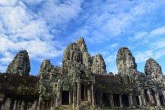 Stein stellt Schloss an Bayon-Tempel, Angkor Thom, Siem Reap, Camb gegenüber Stockfotografie