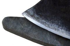 Stein und ein Blatt einer Axt Stockfotos