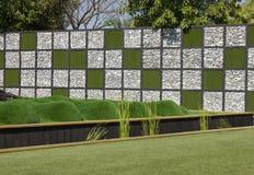 Stein- und Graswand Stockbilder