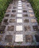 Steinbahn im Garten Lizenzfreies Stockbild