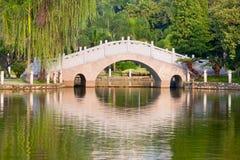 Steinbrücke lizenzfreie stockbilder