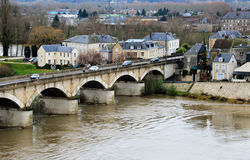 Steinbrücke in historischem Amboise lizenzfreies stockfoto