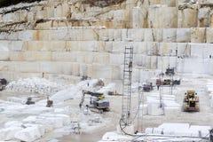 Steinbruch des weißen Marmors Lizenzfreies Stockfoto