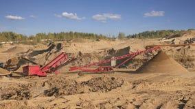 Steinbruch für die Extraktion des Sandes stock footage