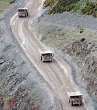 Steinbruch-Fahrzeuge stockbild