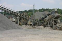 Steinbruchförderanlagen stockfoto