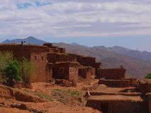 Steindorf im hohen Atlas, Marokko stockfotografie