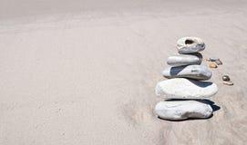 Steine auf Strand Stockfotos