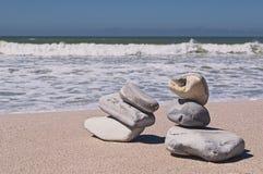 Steine auf Strand Lizenzfreies Stockbild