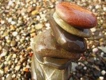 Steine auf dem Strand Stockfoto