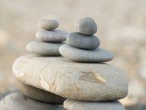 Steine auf dem Strand Lizenzfreie Stockfotos