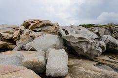 Steine auf dem Strand von Korsika Stockfoto