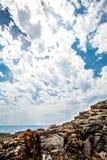 Steine auf dem Ufer des adriatischen Meeres Lizenzfreies Stockfoto