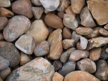 Steine auf einem Strand Stockfoto