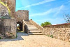 Steine, das historische Gebäude nahe Matera in Italien UNESCO-Europäischer Kulturhauptstadt 2019 Lizenzfreie Stockfotos