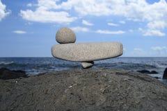 Steine in der perfekten Balance Stockfotografie