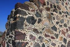 Steine an der Wand, Pyramide des Mondes stockfoto