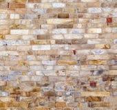 Steine an der Wand von Qutub Minar Stockfoto