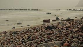 Steine des Herbstmeeres stockfoto